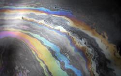 Утечка нефти привела к закрытию двух пляжей на острове в Испании