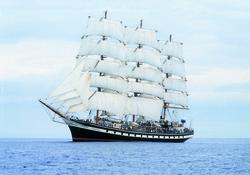 Черноморская регата больших парусников впервые стартует под флагом России