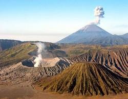 В Индонезии очередной вулкан сеет панику