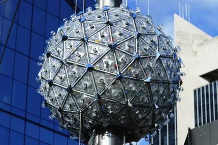 Шар падает новый год нью йорк