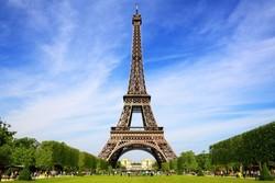 Туристов не пустили на Эйфелеву башню из-за забастовки охранников