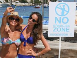 На пляже во Франции запретили делать хвастливые «сэлфи»
