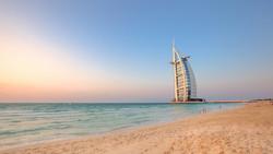 В Дубае будут штрафовать за купание во время шторма