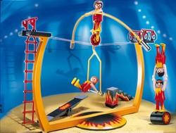 В Париже открылась выставка популярных игрушек