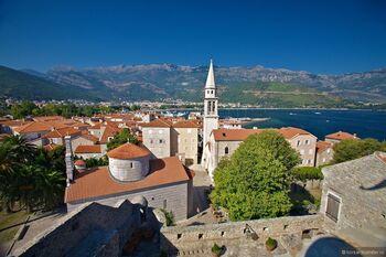 Что выбрать: отдых в Черногории или в Болгарии?