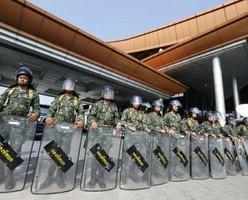 Таиланд не отменит военное положение в курортных зонах