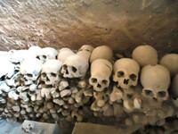 Катакомбы Сан-Дженнаро и кладбище Фонтанелли