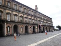 Королевский дворец в центре Неаполя