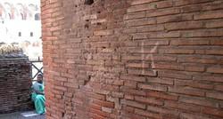 Российский турист осужден за попытку сделать надпись на стене Колизея