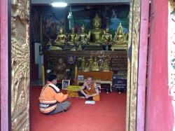 В Таиланде полиция задержала граждан России за дебош в храме