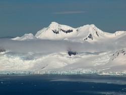 Депутаты Госдумы отправились в тур по Антарктиде и пропали