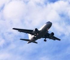 Авиапассажиров больше всего раздражают спящие соседи – опрос