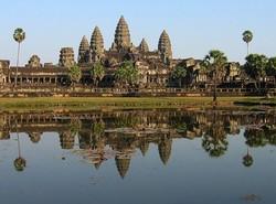 Французские туристы задержаны в Камбодже за обнаженную фотосессию в храме