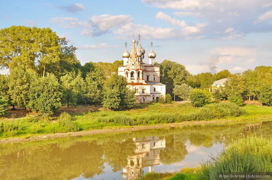 05. Церковь Константина и Елены — православный храм построенный около 1690 года, один из лучших памятников XVII века.