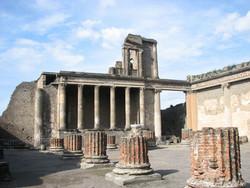 Туристам разрешают посетить раскопки Помпеи