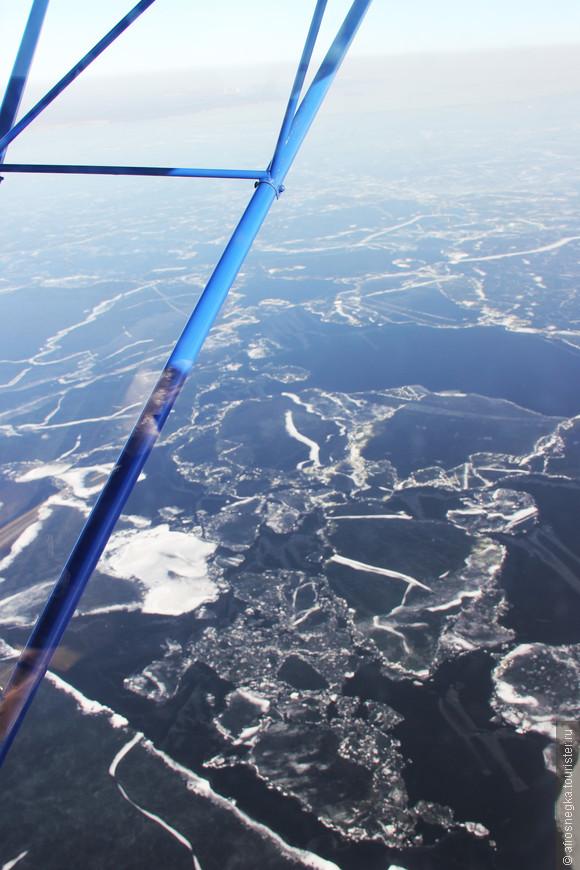 Поднимались мы не так высоко. Максимальная высота для нашего мини-самолетика - всего 300 метров.
