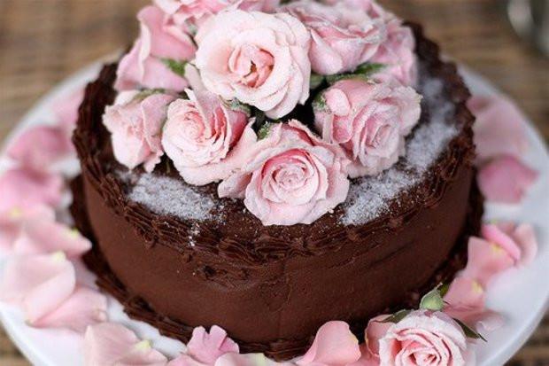 Розы торт с днем рождения