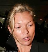 Кейт Мосс не хватило закуски в самолете