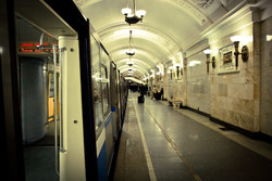 С заботой о пассажирах: московское метро раздает воду и веера