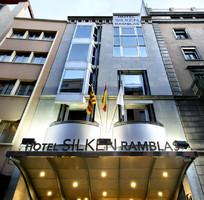 В отеле Барселоны неизвестные обстреляли туристов