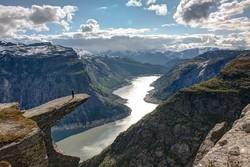 Туристка упала со скалы Язык Тролля в Норвегии во время фотографирования
