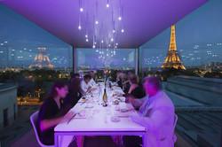 Во Франции рестораны накормят каждого второго гостя бесплатно
