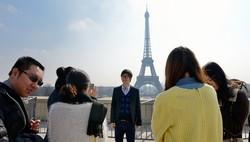 Гид в Париже был ограблен на сумму, превышающую 25000 евро