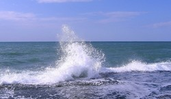 Пропавшая в районе Туапсе в море туристка была найдена живой