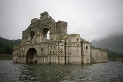 Старинная церковь появилась из-под воды на юге Мексики