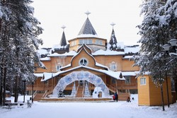 Дополнительные поезда будут возить туристов к Деду Морозу в январе