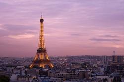 Туристы отменяют брони авиабилетов в Париж