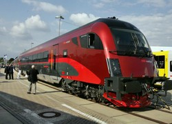 Австрия возобновляет движение поездов в Германию