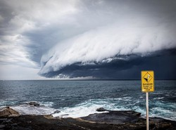 «Облако-цунами» накрыло побережье Австралии