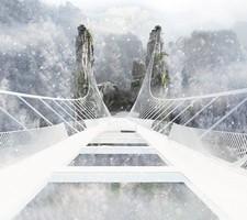 В Китае строят самый длинный стеклянный мост в мире