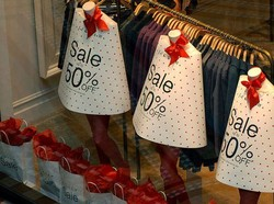 Европа ждёт туристов на рождественские распродажи