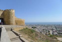В Дагестане расстреляли туристов в крепости Нарын-Кала