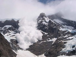 Три туриста погибли в результате схода лавины в Альпах