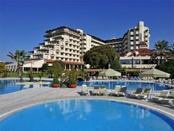В Турции более 1300 отелей выставлено на продажу