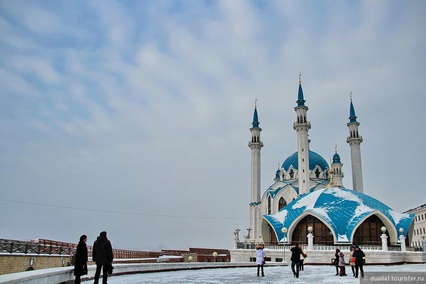 Здание пожарной части («тюбетейка») является составной частью комплекса мечети Кул Шариф и связано с ним стилистически: формой и цветом купола, а также одинаковыми отделочными материалами.