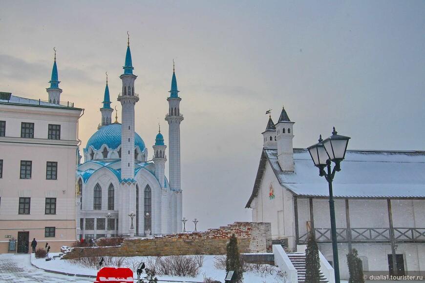 Ещё один взгляд на мечеть Кул Шариф. В очередной раз убеждаюсь, что она хороша с любого ракурса.