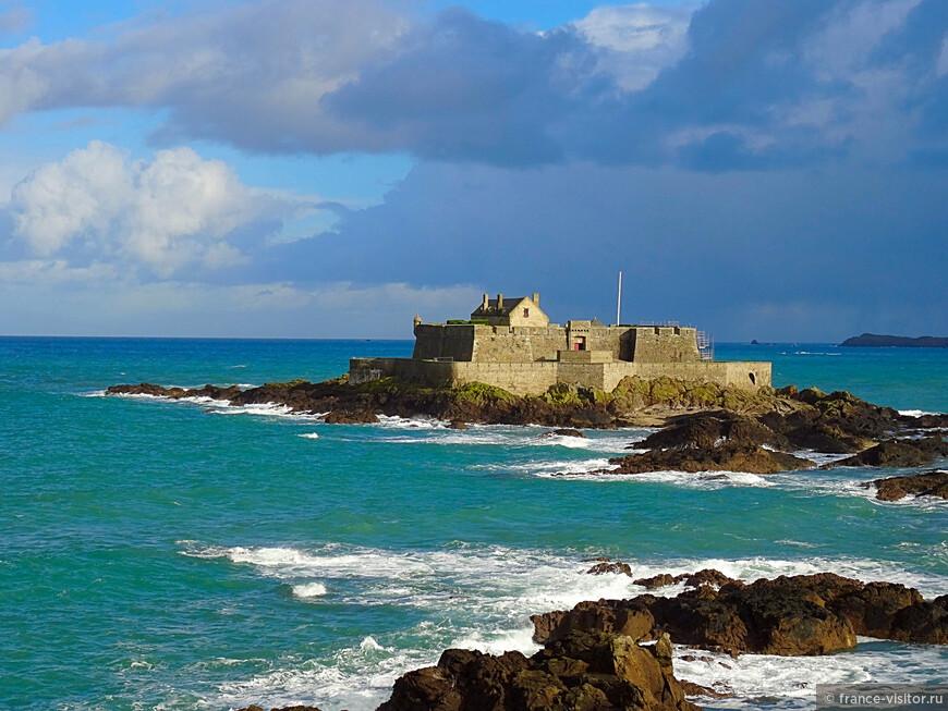 Национальный форт XVII века в Сен-Мало