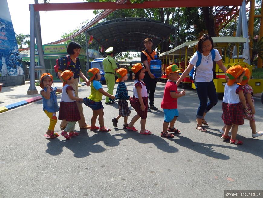 детский сад приехал на экскурсию