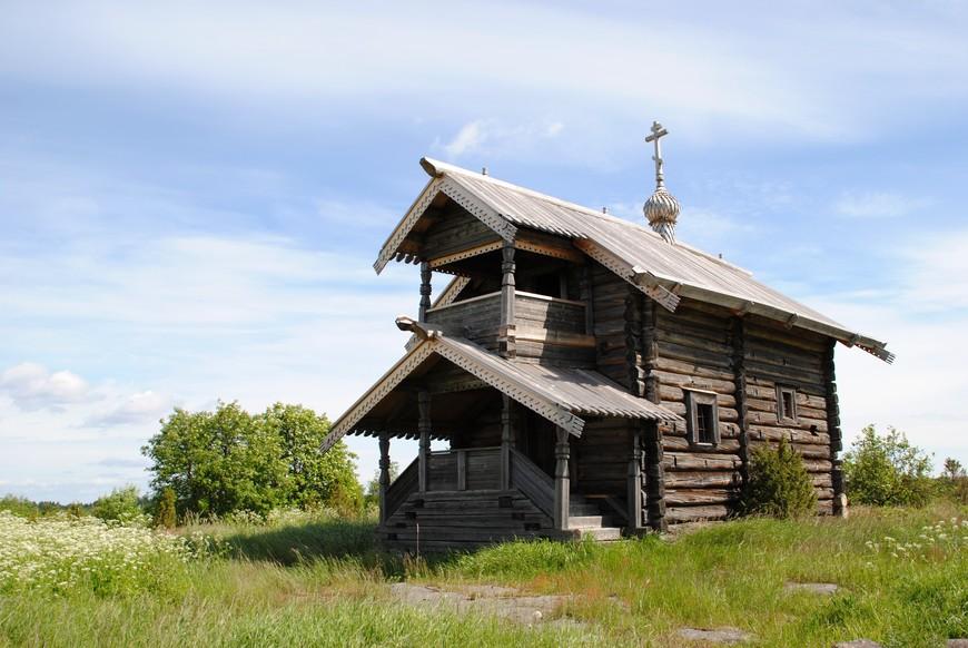 на берегу Путкозера стоит Георгиевская часовня XVII века.