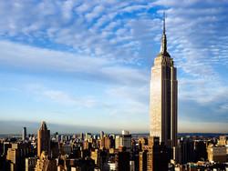 В Empire State Building в Нью-Йорке врезался беспилотник