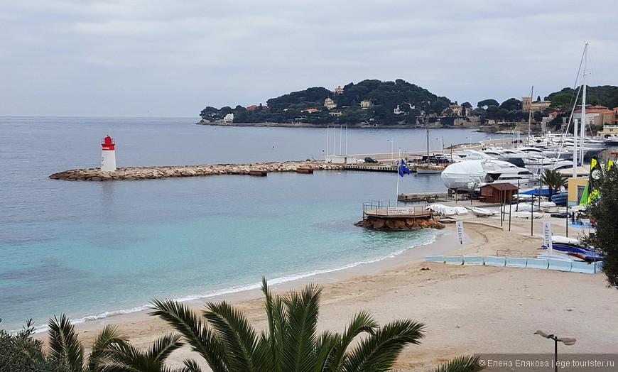"""Пляж и маяк Сен-Жан-Кап-Ферра и """"палец""""  полуострова"""