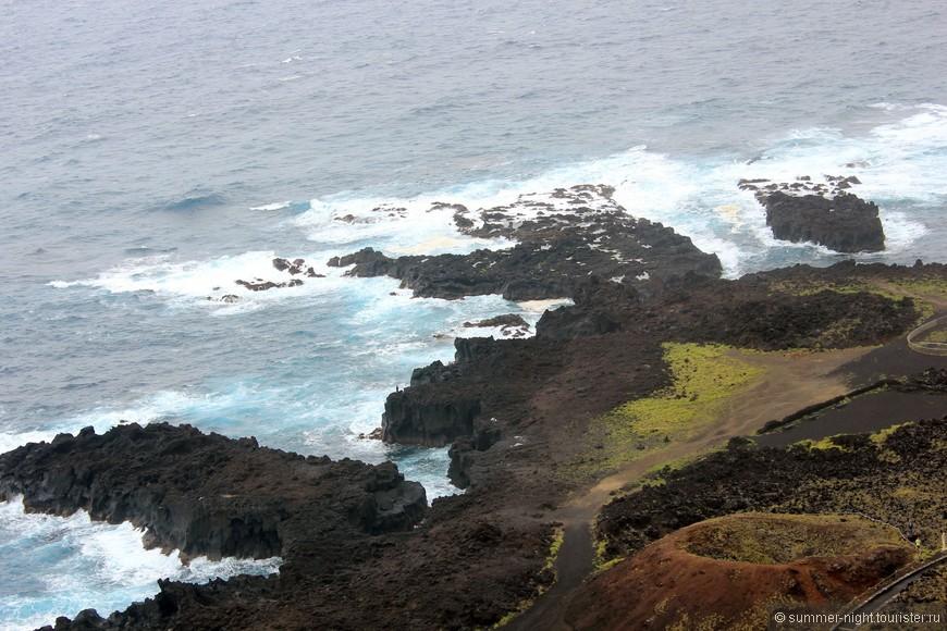 """Внизу тот самый """"горячий"""" океан, одно из уникальных природных явлений острова Сан Мигель."""