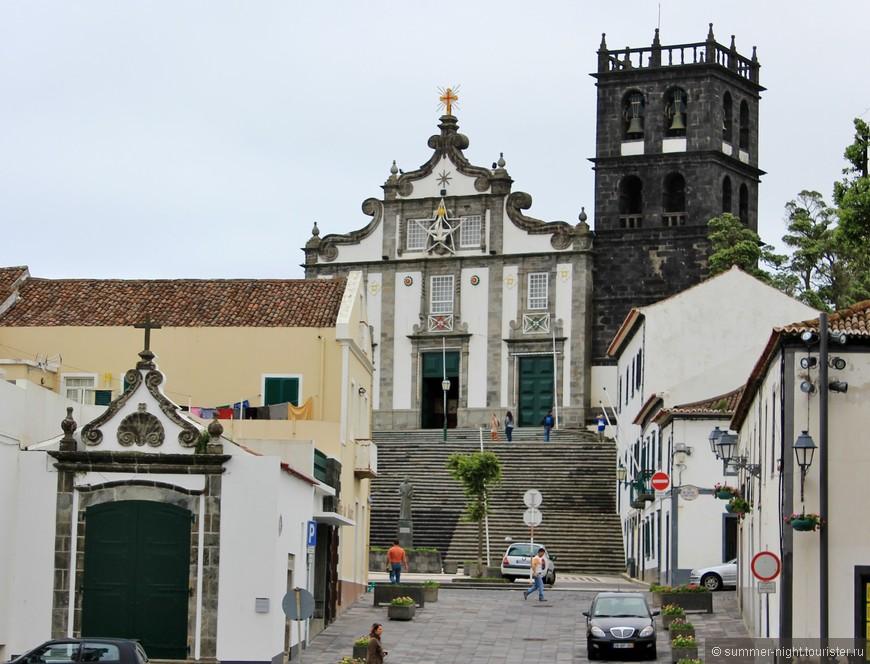 Рибейра Гранде. Второй по величине город на острове.