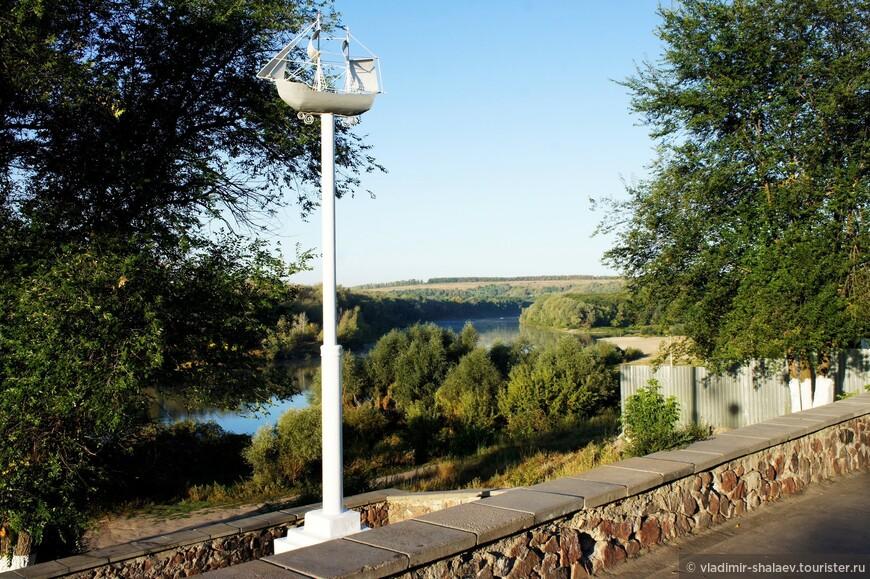 Смотровая площадка на левом высоком берегу Дона.
