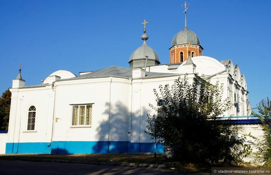 В советское время Покровская церковь была частично разрушена, но в девяностые годы двадцатого века осуществлялось восстановление колокольни.