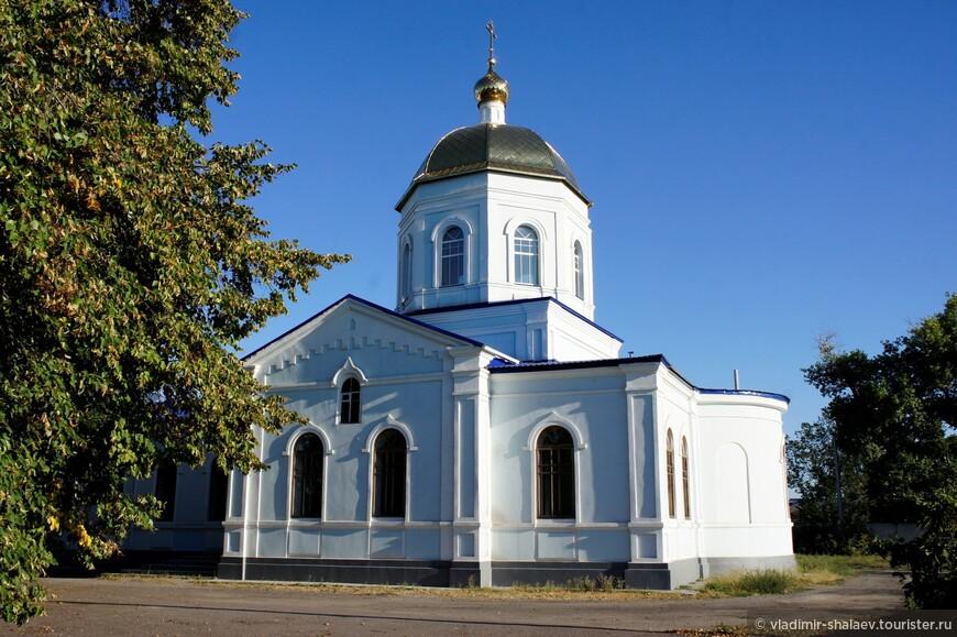 Казанская церковь - древнейшее здание современного Павловска. Построена в 1776 году на средства казанских купцов.